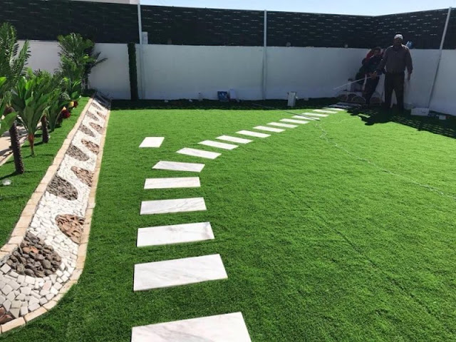 تنسيق حدائق الممرات عشب صناعي