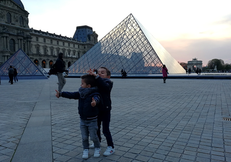 Avondwandeling langs het Louvre