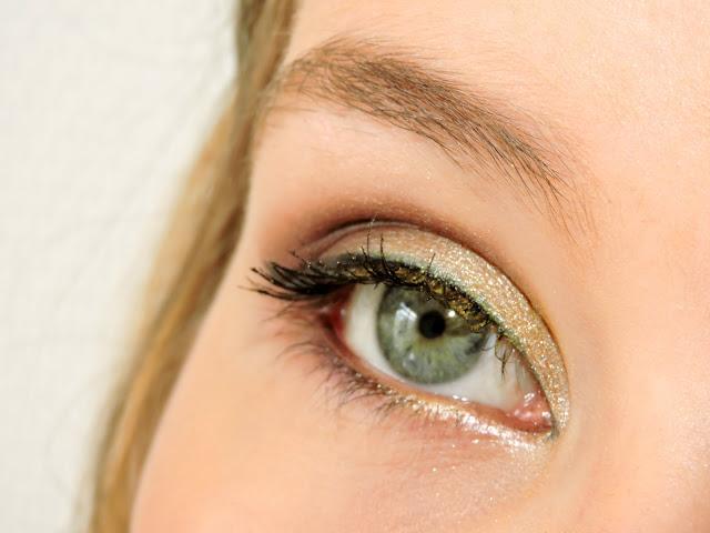 yellow-brown-makeup