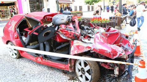 Acidentes matam um jovem a cada 14 horas no Paraná