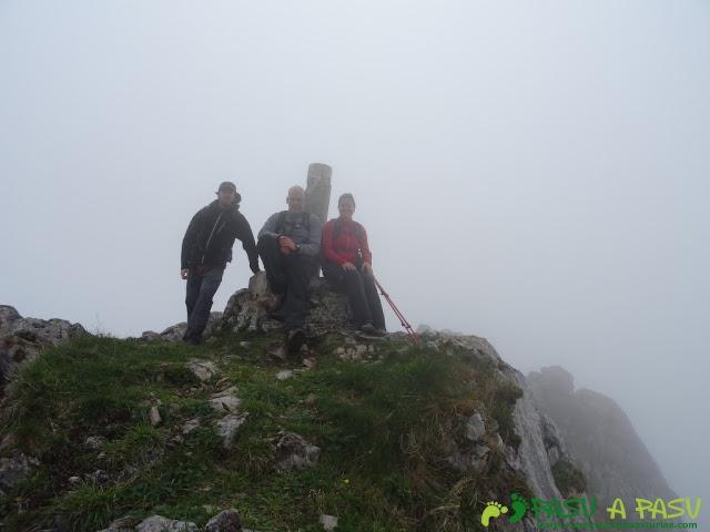 Ruta Sierra del Crespón:  Cima del Pico Fueyu