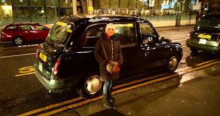 Taxis típicos de Reino Unido.