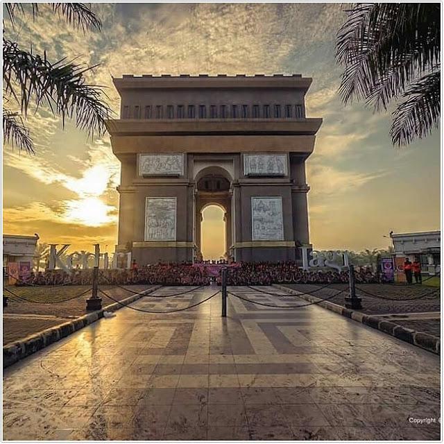 Monumen Simpang Lima Gumul;10 Top Destinasi Wisata Kediri