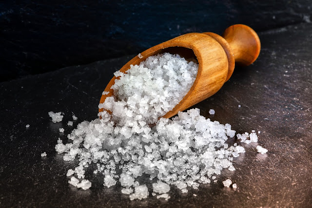 cara menghilangkan komedo dengan garam