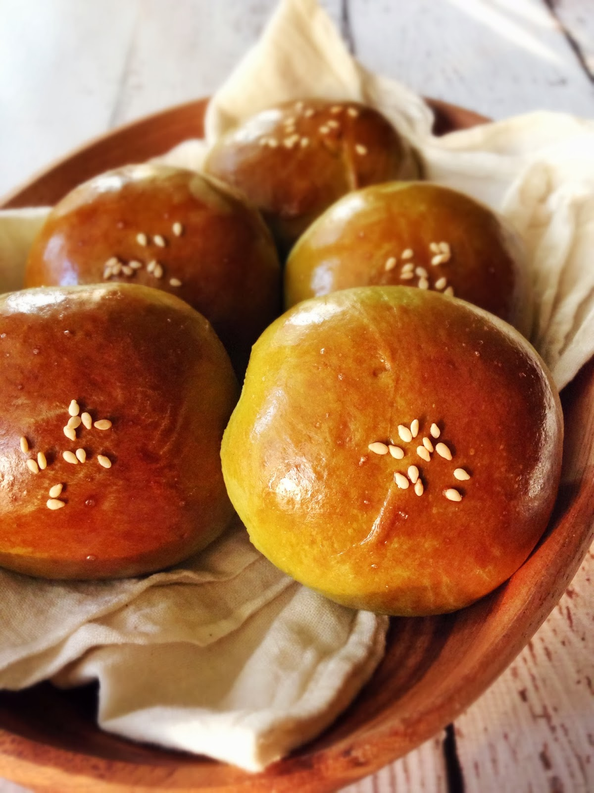The Humble Hostess: 抹茶紅豆麵包 Matcha Buns with Red Bean Paste