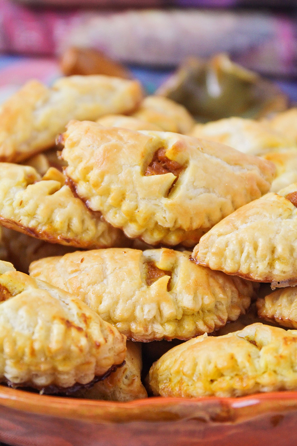 These delicious Harry Potter-inspired homemade pumpkin pasties taste just like pumpkin pie, and they're so easy to make!