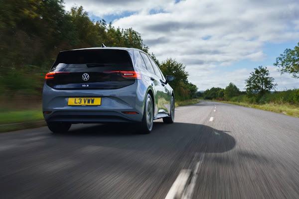 Volkswagen ID.3 tem preço da versão de acesso reduzida na Inglaterra