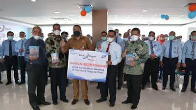 Bank Nagari Salurkan 200 Kilogram Rendang untuk Korban Banjir NTT