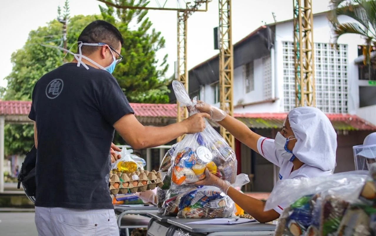 Antes del receso escolar, se entregaron 9.406 paquetes alimenticios, quedando pendientes 37.894 por entregar, del total de estudiantes beneficiados