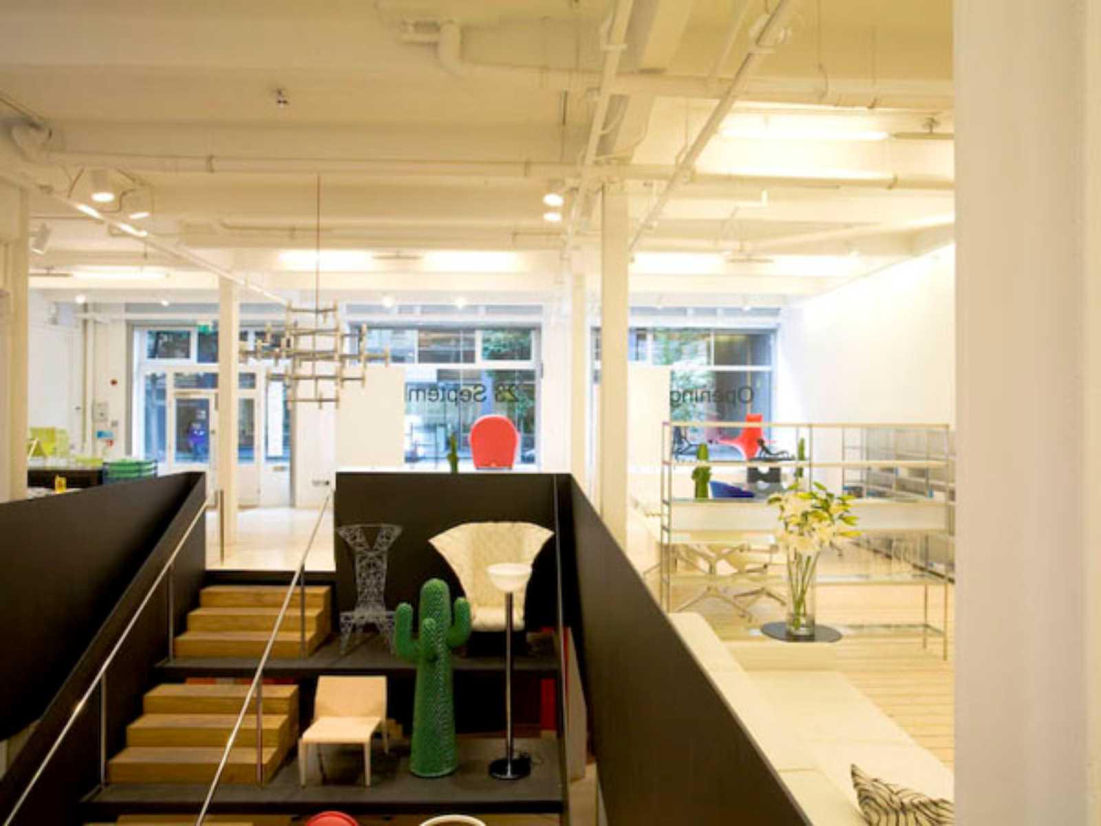 Poltrona Studio.Poltrona Frau Showroom By Universal Design Studio Aasarchitecture