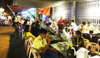 Yangon open air restaurants in full action