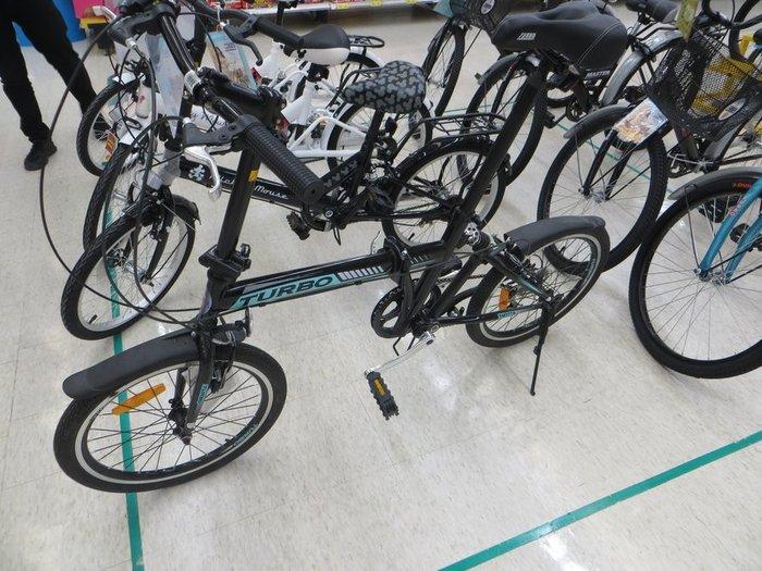 Черный складной велосипед