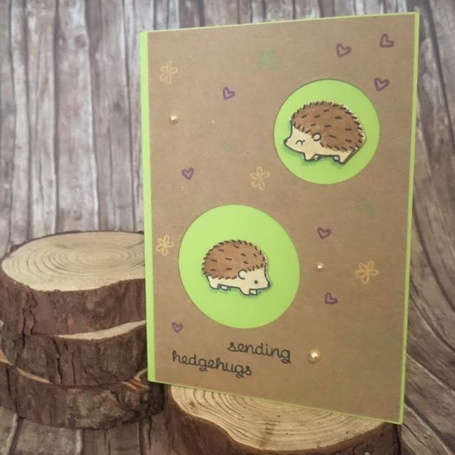 [DIY] Sending hedgehugs: Cutest Greeting Card with Hedgehogs // Grußkarte mit süßen Igeln