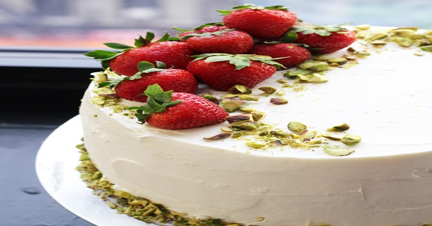 Strawberry-Rhubarb Dream Cake Recipe