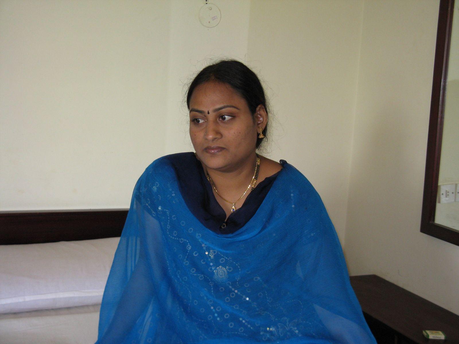 Hollywood, Bollywood, Tollywood, Kollywood Hot South Indian Desi Aunty -4006