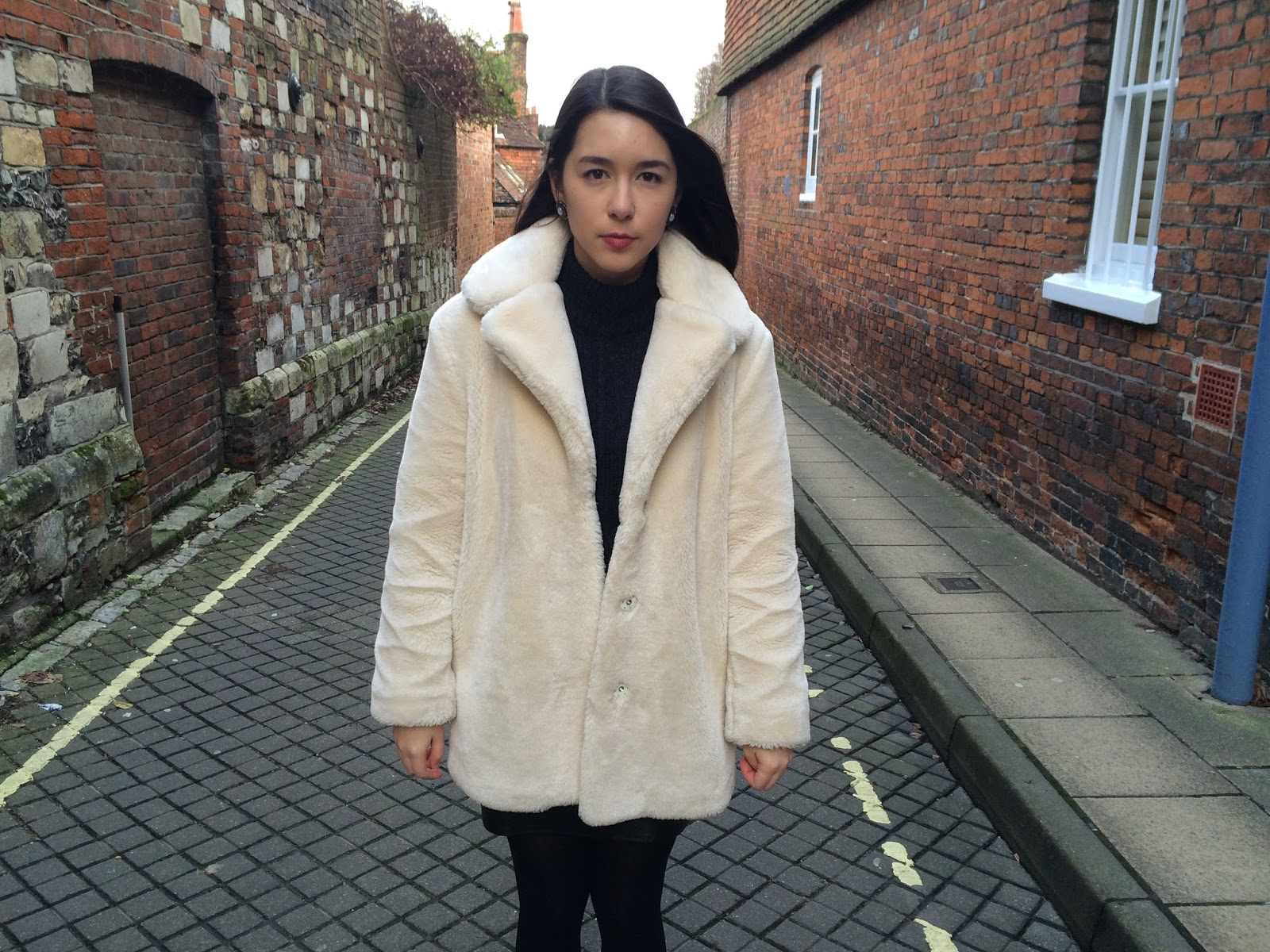 white topshop faux fur coat fashion blogger street style
