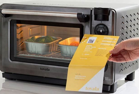 Self-cooking oven by scanning soda and recipe
