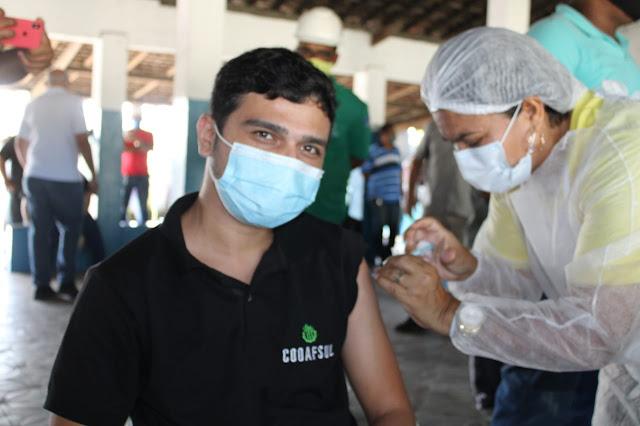 Ribeirão realiza vacinação de trabalhadores da indústria