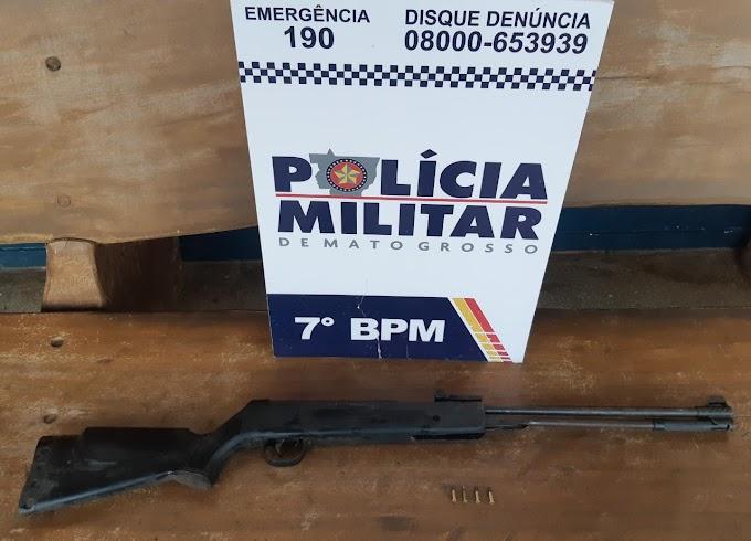 Em área rural de Rosário Oeste, indivíduo é detido por policiais militares do 7º BPM com arma de fogo e munições.