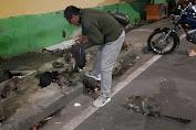 Ditengah Himpitan Ekonomi Yang Sulit Akibat Pandemi, Wartawan Senior Ini Tetap Konsisten Memberi Makan Kucing Liar