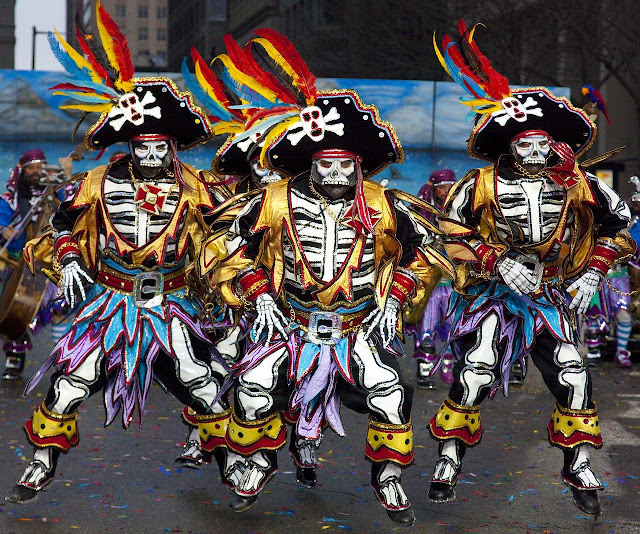 photo by skeeze from Pixabay of three Mummers in pirate costume