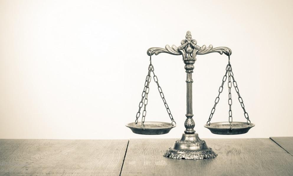 الحكم باﻹخلاء دون اﻹلزام بالتسليم