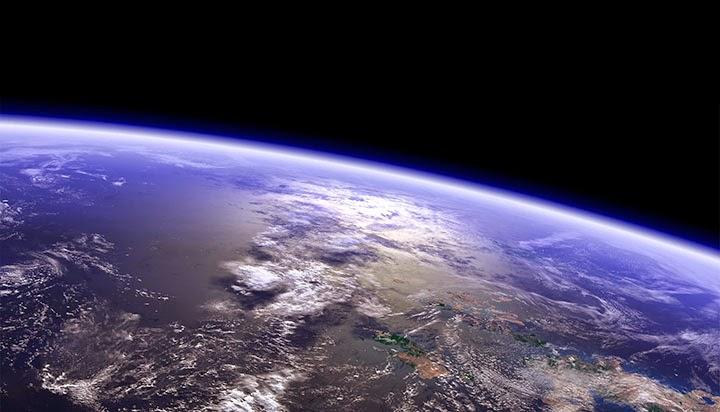 Ближний космос. Вид Земли с низкой орбиты