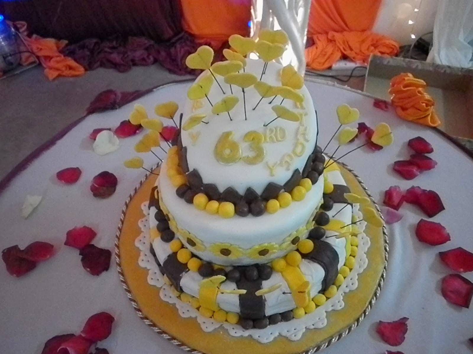 Victoriadelight 60 Years Old Birthday Cake