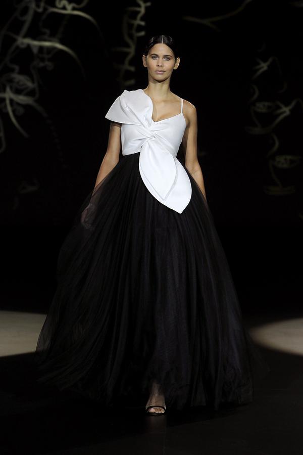 Valmont Barcelona Bridal Fashion Week 2021: Sophie et Voilà