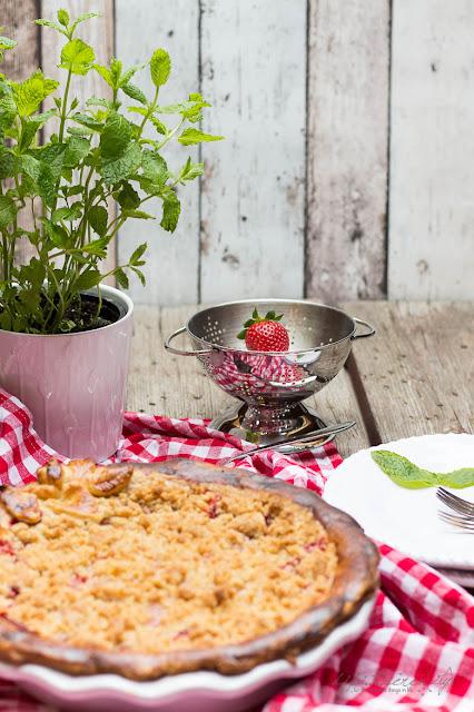 Erdbeer Crumble Pie - dipitserenity