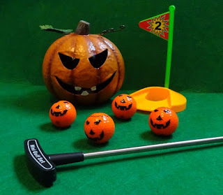 Halloween-themed minigolf