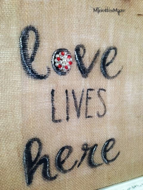 Painted Burlap Framed Art for Valentine's Day, easy project yet super cute craft for Valentine's Day!