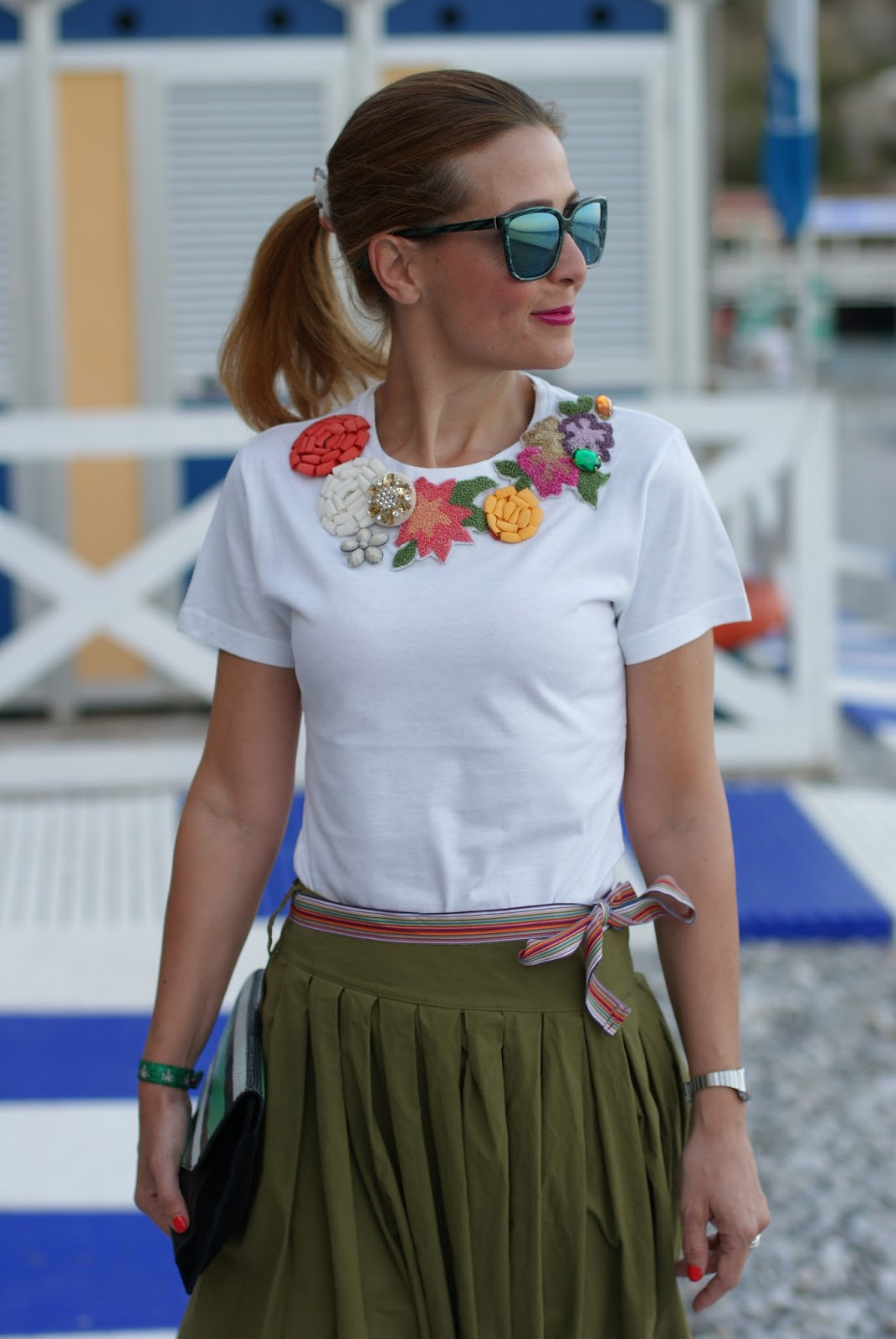 jeweled t-shirt, chic summer look on Fashion and Cookies fashion blog, fashion blogger style