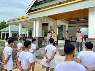 Kapolres Didampingi Waka Polres  Berikan Binlat Untuk Calon Anggota Polri 2021