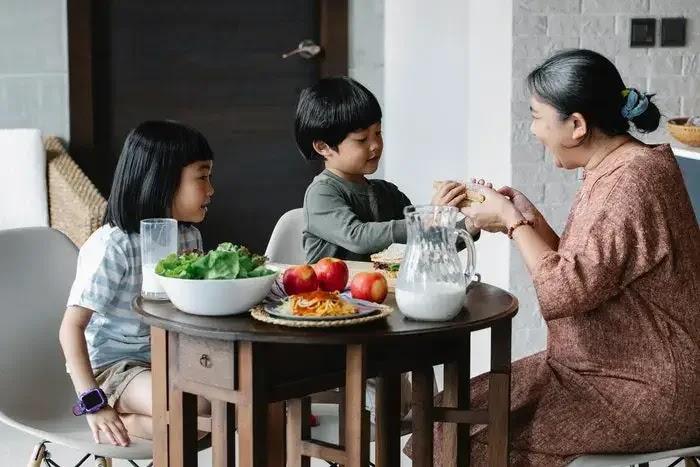 tips memenuhi kebutuhan gizi anak saat berpuasa