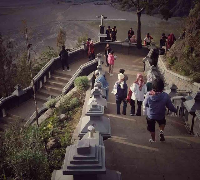 Puncak Seruni Point Probolinggo, Spot Terbaik Melihat Sunrise dan Bromo Dari ketinggian