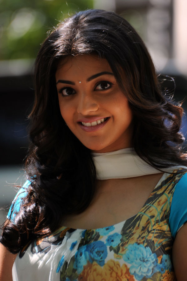 Kajal Agarwal Hot Looking Face Closeup Photos