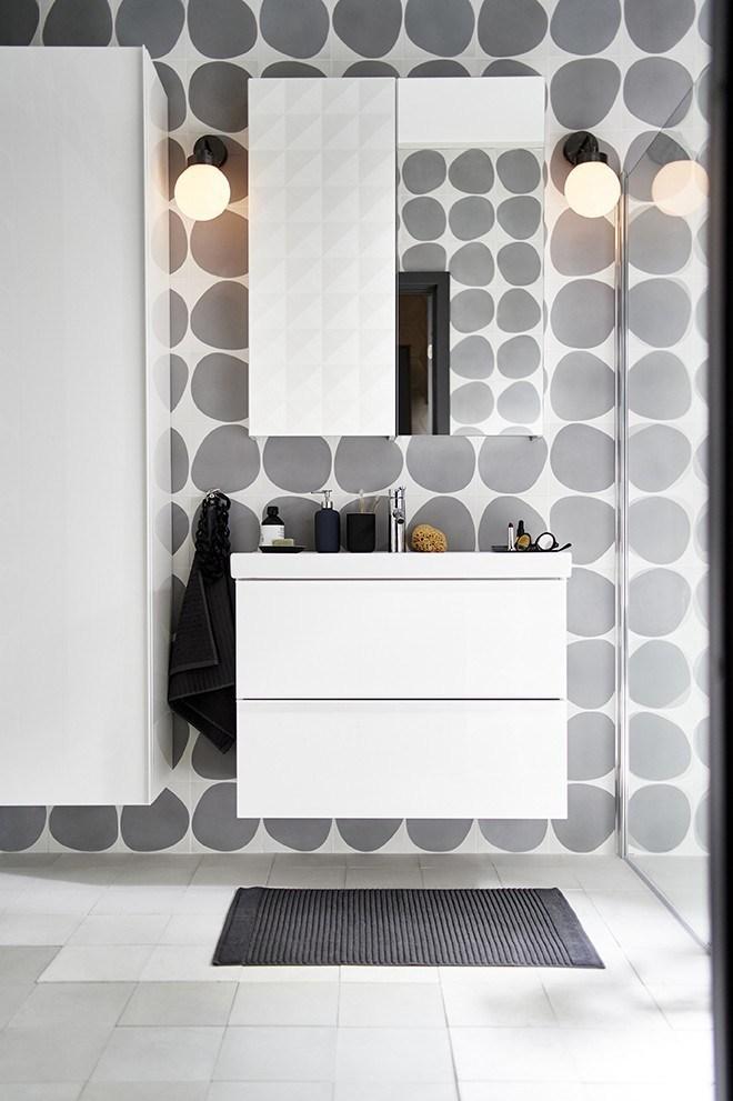 Novedades catálogo Ikea 2020 baño mueble y armario de pared GODMORGON con espejo