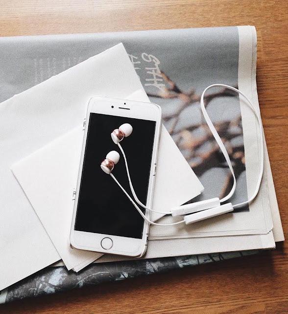 earphone untuk smartphone