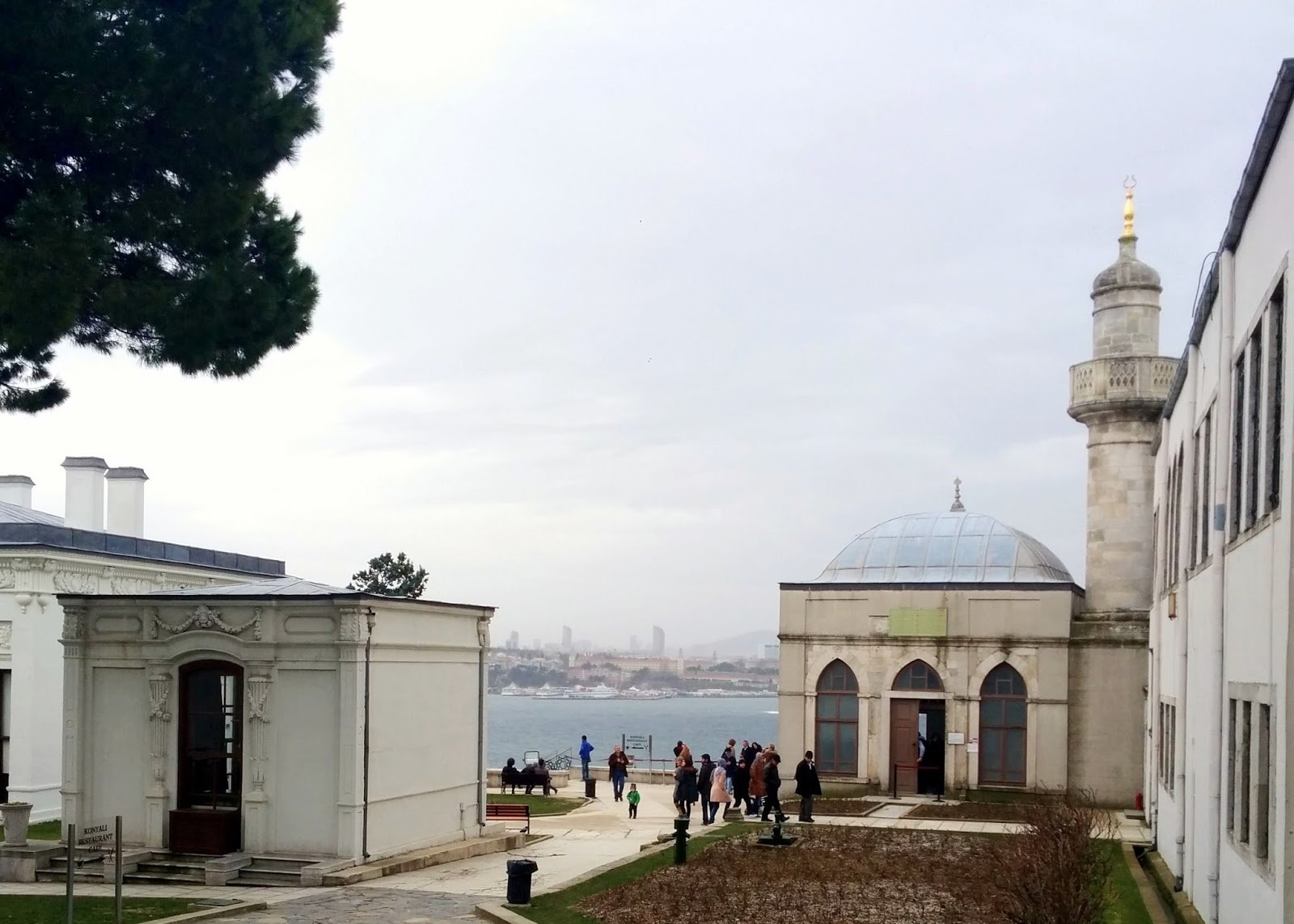 Visiting Istanbul for the first time, Topakpi Palace  |  Postcard from Istanbul on afeathery*nest  | http://afeatherynest.com