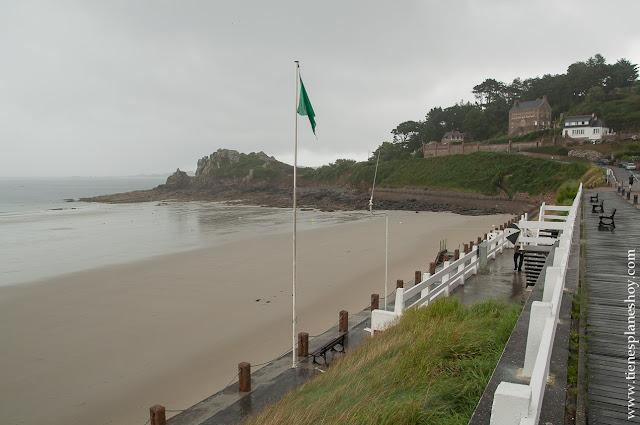 Playa de Trestraou Bretaña Francia playas viaje