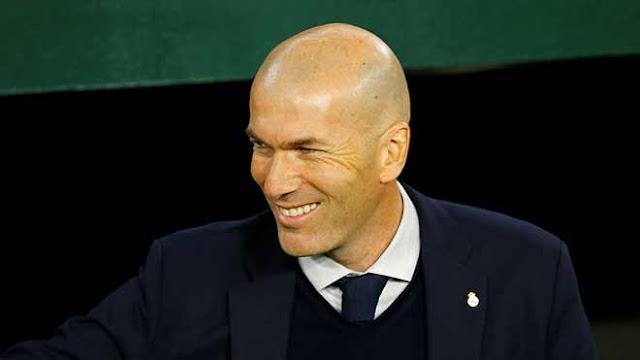 """Juventus """"đi đêm"""" mời Zidane làm thầy Ronaldo, Real sững sờ ngỡ bị phản 1"""