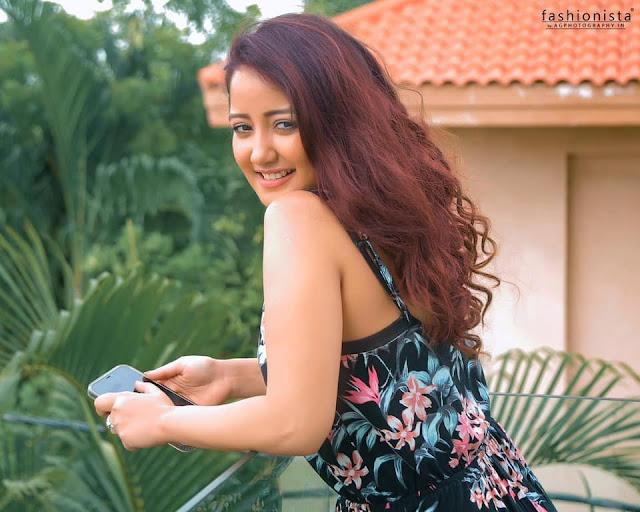 Roshmi Banik Latest Pics Actress Trend