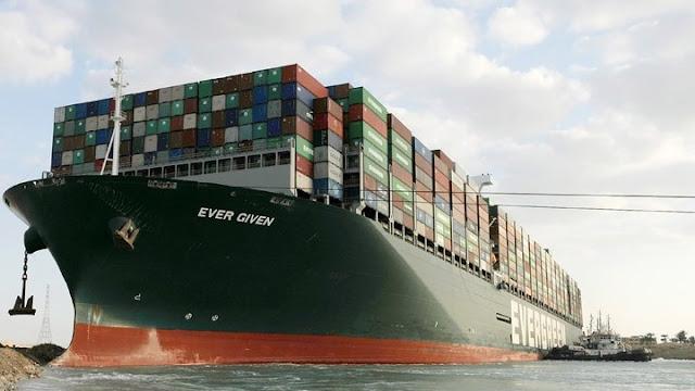 """Άνοιξε η διώρυγα του Σουέζ - Αποκολλήθηκε το πλοίο """"Ever Given"""" (βίντεο)"""