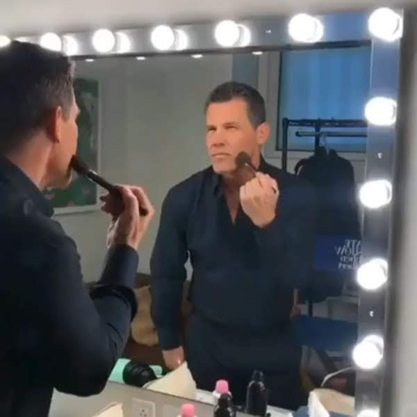 Video : 52歳の誕生日🎂を迎えても、映画に出るお仕事なんだもん😊、キレイでいることを諦めたりはしないわ✨というキュートなジョシュ・ブローリン‼️😂