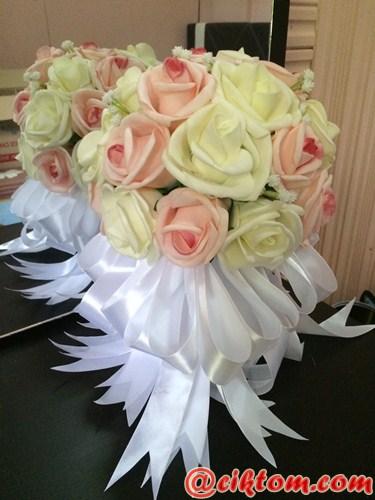 bunga tangan foam