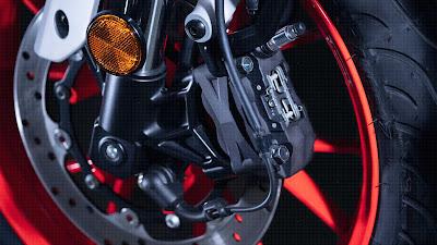 Rem Depan MT-125 : 292 mm, ABS, Floating, Radial