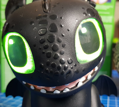 Hatching Toothless - How to Train Your Dragon close up face with big eyes
