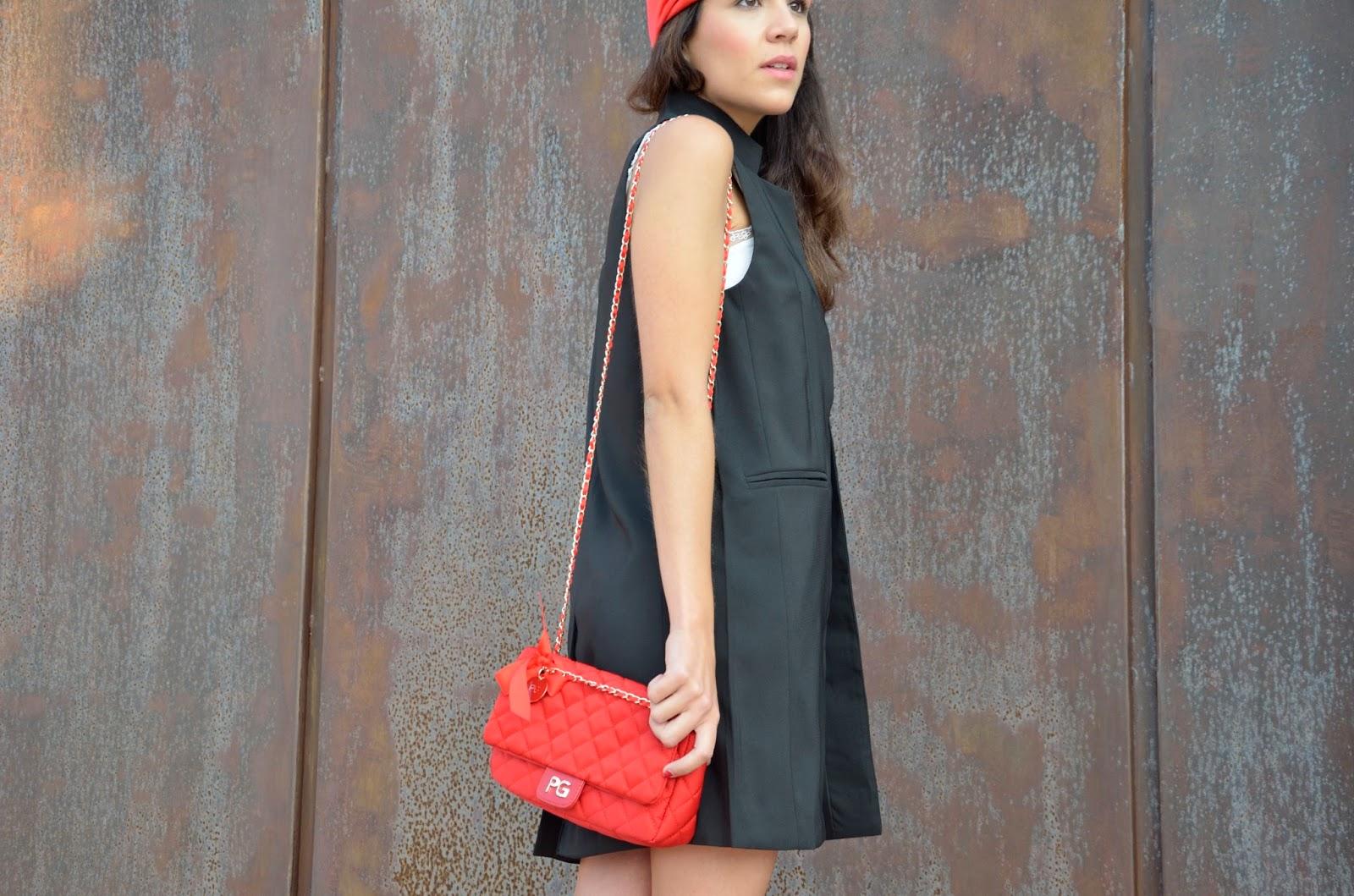 look-maxi-chaleco-turbante-outfit-rojo-negro-blanco- 5bc58d7872b