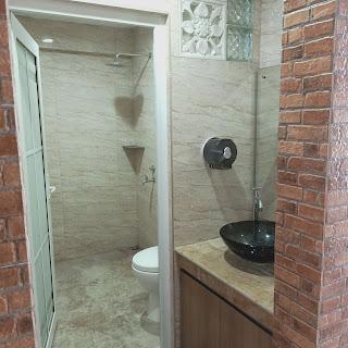 Kamar Mandi Rumah Fully Furnished Lengkap Dengan Kolam Renang 5 Kamar Tidur 5 Kamar Mandi | Komp Bumi Asri Medan